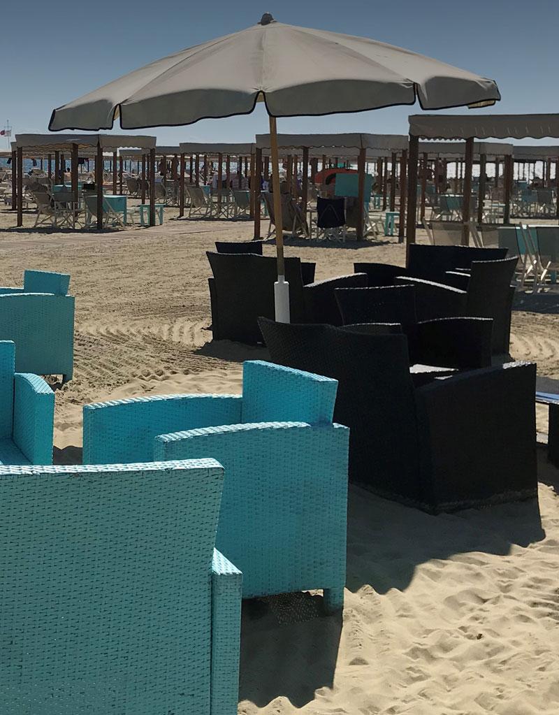 Bagno florida beach spiaggia viareggio lettini sdraio poltrone