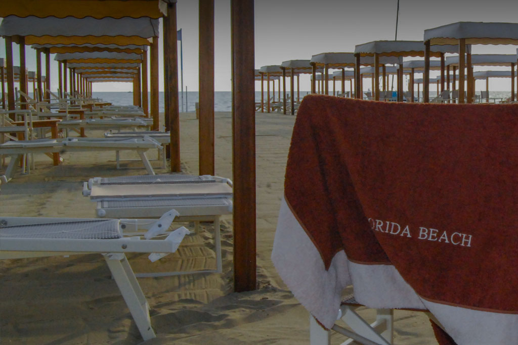 bagno florida beach viareggio spiaggia lettini sdraio telo mare
