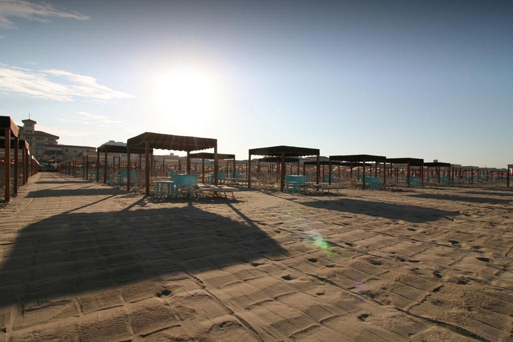 bagno florida beach viareggio spiaggia lettino sdraio regista tenda tavolino