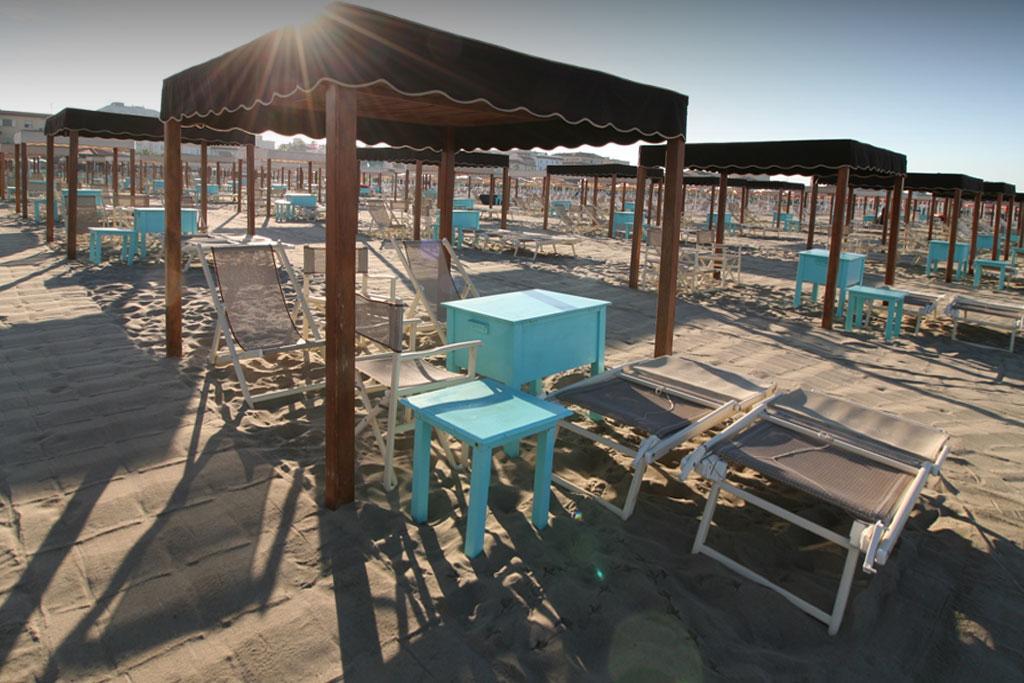 bagno florida beach viareggio spiaggia lettino sdraio regista tenda tavolo contenitore