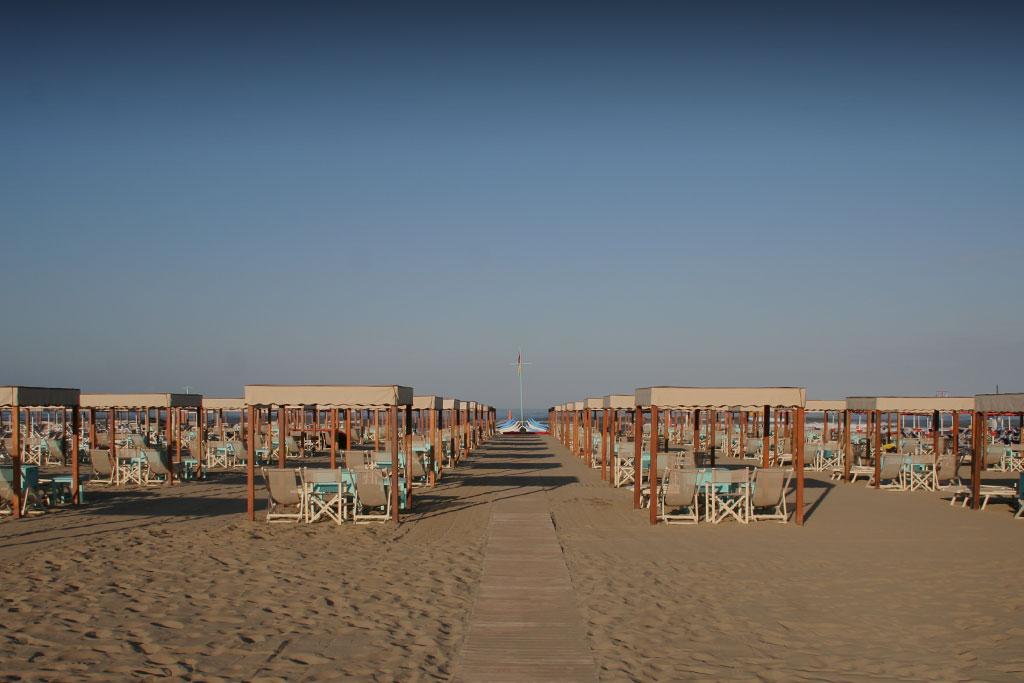bagno florida beach viareggio spiaggia lettino sdraio regista tenda tavolo mare