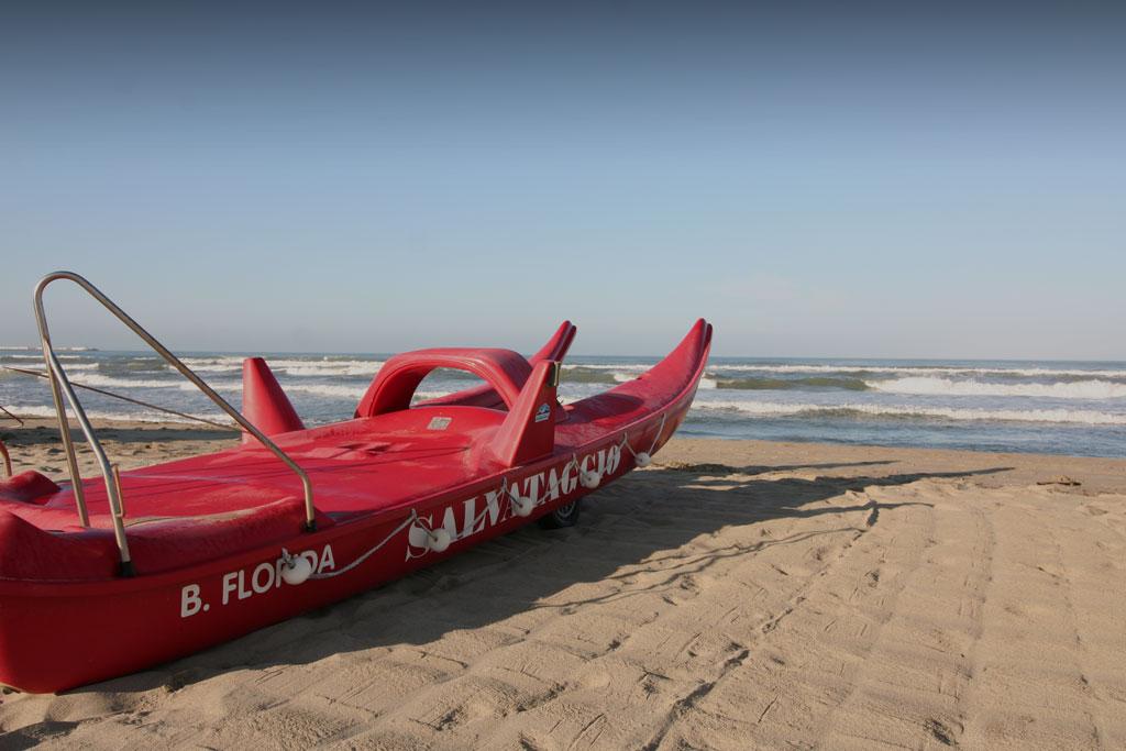 bagno florida beach viareggio spiaggia sdraio tenda pattino salvataggio pedalo