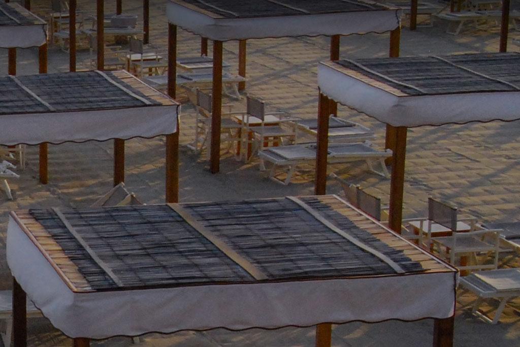 bagno florida beach viareggio spiaggia tenda copertura legno canniccio ombra