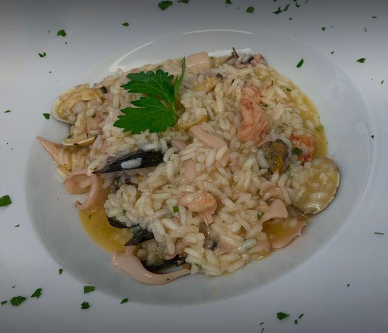 ristorante bagno florida beach viareggio in spiaggia pranzo cena a base di pesce risotto mare versilia