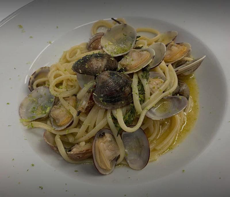 ristorante-bagno-florida-beach-viareggio-in-spiaggia-pranzo-cena-a-base-di-pesce-spaghetti-vongole-mare-versilia