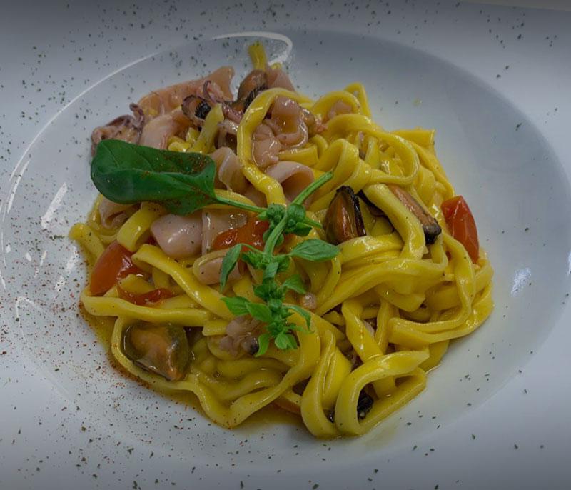 ristorante bagno florida beach viareggio in spiaggia pranzo cena a base di pesce tagliolini mare versilia