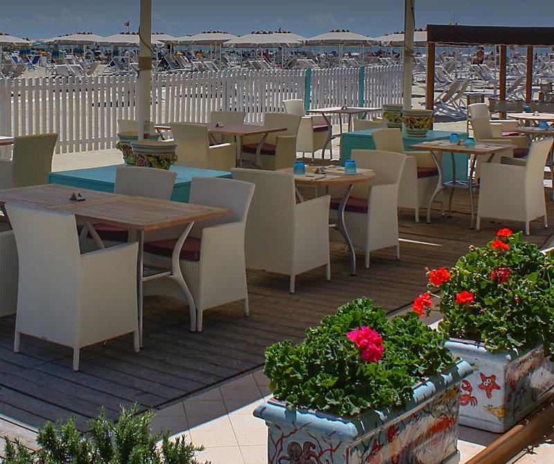 Ristorante florida beach sulla sabbia spiaggia terrazza mare viareggio